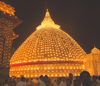 Kalaniya Temple Tour
