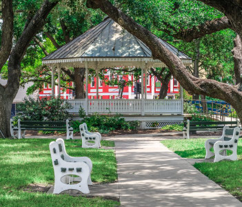 DeLeon Plaza bandstand in downtown Victoria Texas