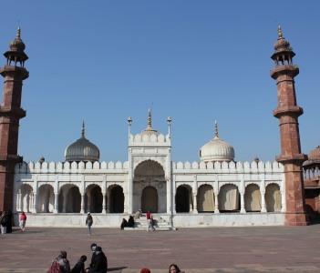 Moti Masjid