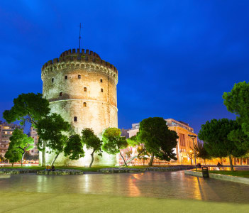 The White Tower of Thessaloniki is a monument and museum on the waterfront of Thessaloniki