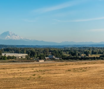 A view of Mount Rainier from Kent