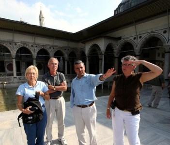 Private tour guide Ali