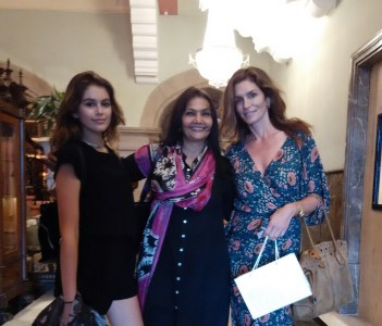 MY TWO STUNNING BEAUTIFUL GUESTS  CINDY  CRAWFORD & DAUGHTER KAIA GEBER