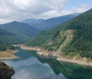 Gura Apei lake