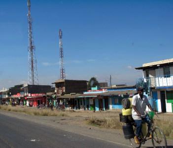 Road to Nyahururu Falls