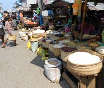 Tanambao local Market