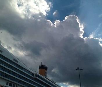 the sky over Frihamnen