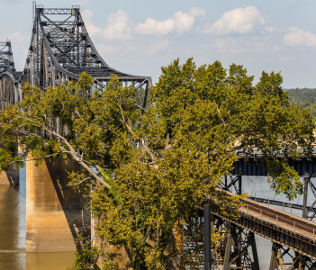 Railroad bridge crossing Mississippi River between Natchez Mississippi and Louisiana