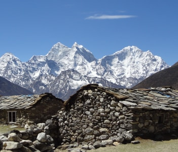 Enchanting views on the way to Everest Base Camp