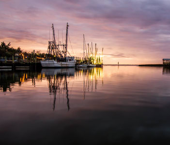 Sunset over Shem Creek in Mount Pleasant in USA