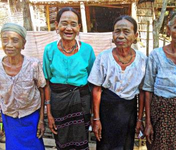 Tahoo-faced women
