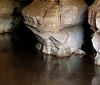 one of the world's biggest and marvelous caves Sof Umar,