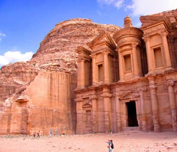 Le Monastère Ad-Deir.