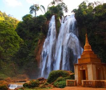 Anisakan Falls near Pyin Oo Lwin