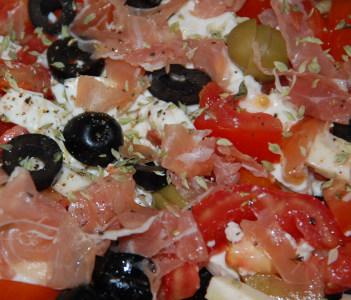 Salada de queijos c/ presunto