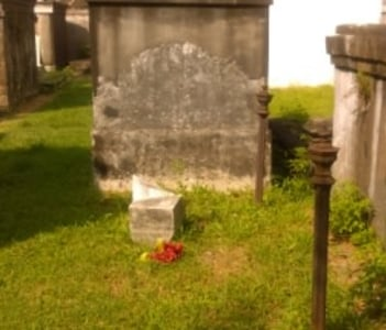 Broken Headstone And Remnants Of Cast Iron Fence, Lafayette Cemetery #1
