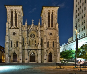 San Fernando Cathedral Main Plaza