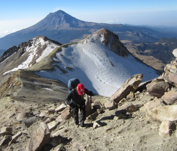 On Iztaccihuatl 17,120' (Mexico's volcanoes expedition)