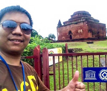 With UNESCO Sign