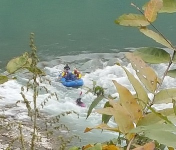 enjoy rafting in the Trisuli river