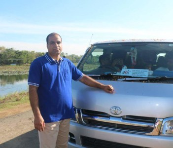 wasgamuwa lake and ask lanka my tour agency vehicle