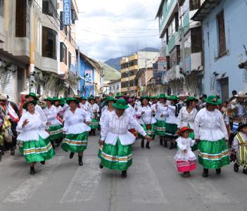 Women celebrate Epiphany, Abancay, Peru