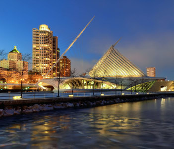 Milwaukee Art Museum and Downtown Skyline at Night.
