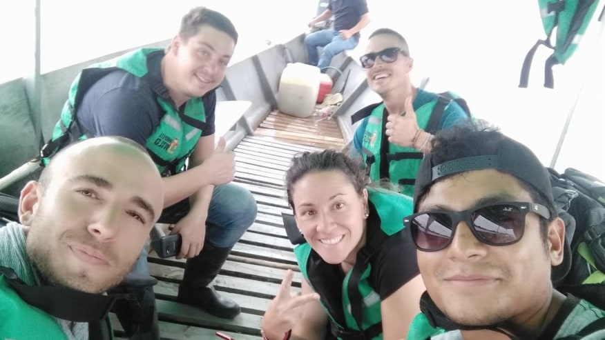 Boat trip with the guide along the Tambopata River
