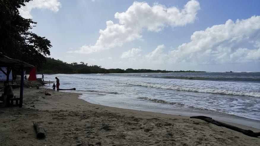 La Angosta Beach