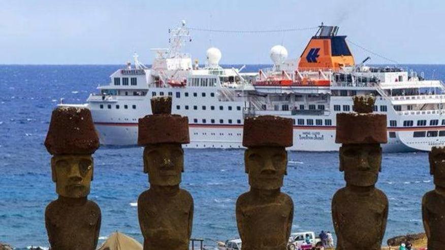 say hello to the  moai