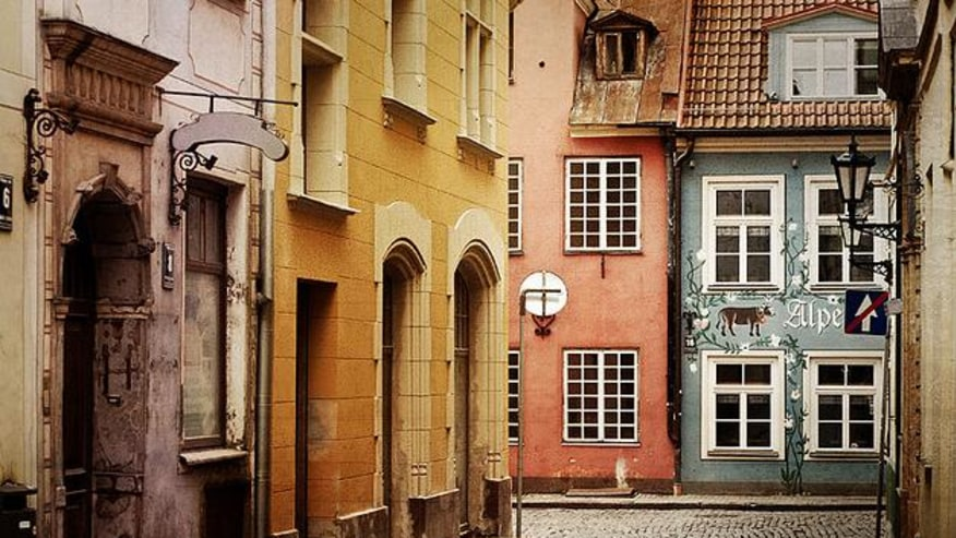 Take a walk down the unfamiliar lanes of Old Town