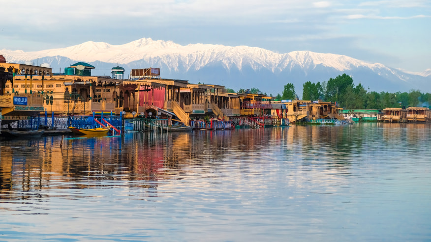 Witness the beauty of the Great lakes of Kashmir