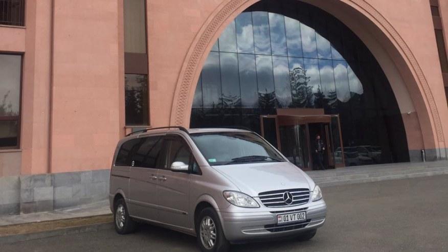 minivan mercedes viano with 8 seats