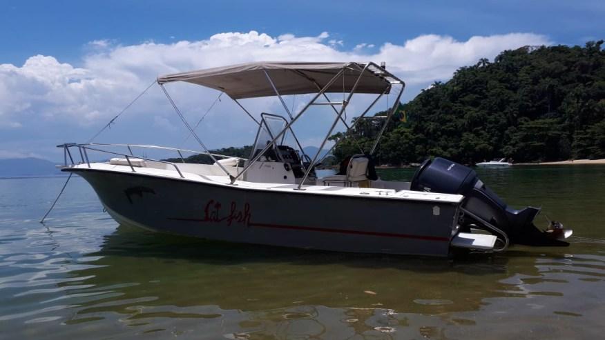 23 feet motor boat
