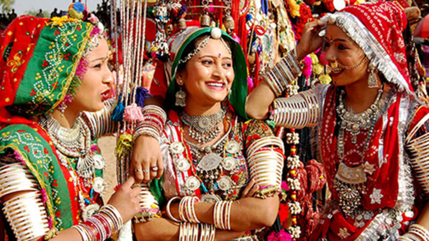 Women in traditional Rajasthani clothes