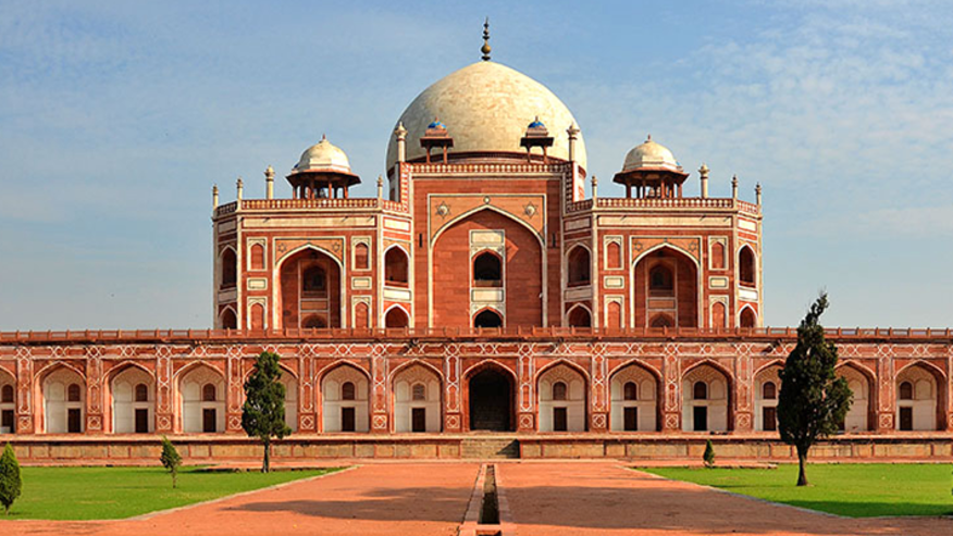 A Day in Delhi - The City of Glory