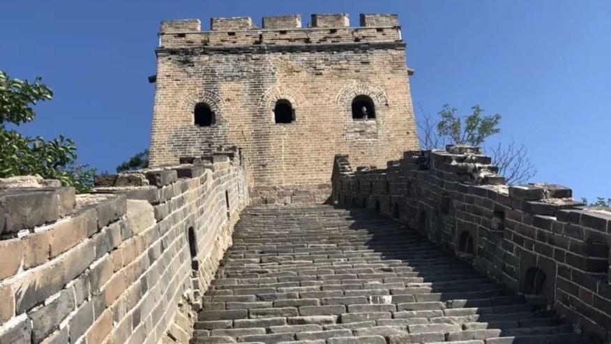 Walk along the Simatai Great Wall
