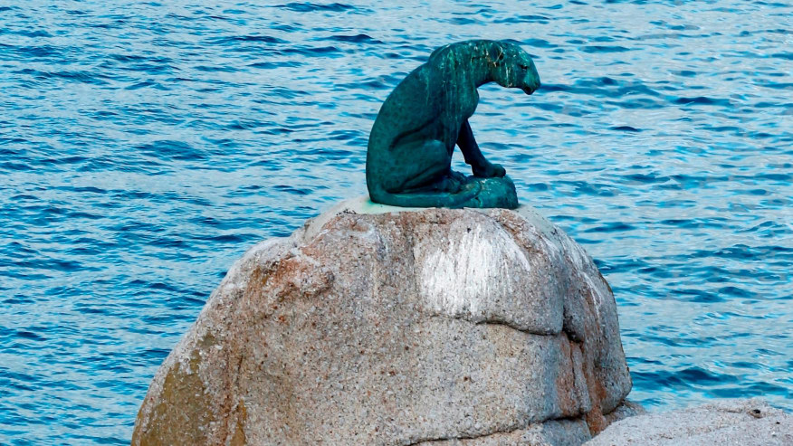 Leopard statue in memory of wildlife at Hout Bay