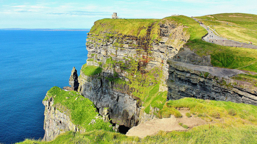 """West coast of Ireland - Cliffs, Castles and the famous """"Craic"""""""