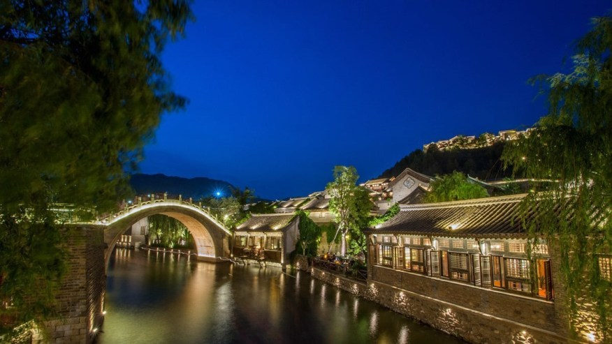 Night views of the Gubei Water town