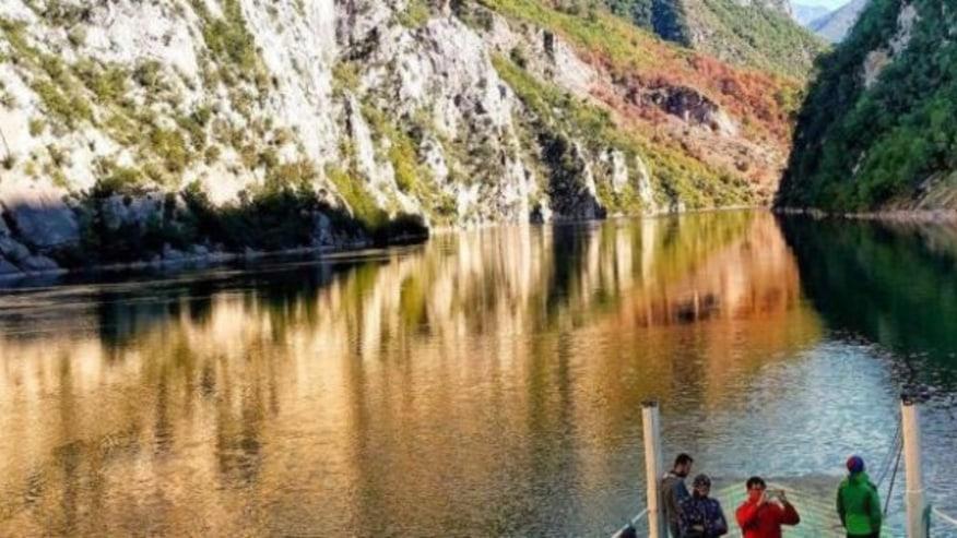 Koman Lake boat ride