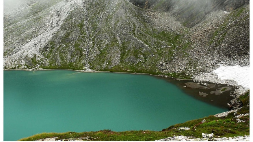 Trek to Kagbhusandi Lake in Garhwal Himalayas