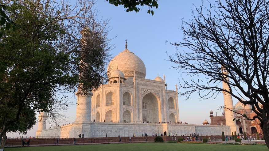 Switch on this Virtual Tour of Taj Mahal