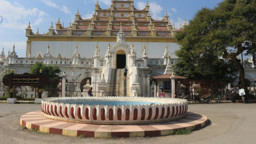 Visit the pagodas that the country boasts of