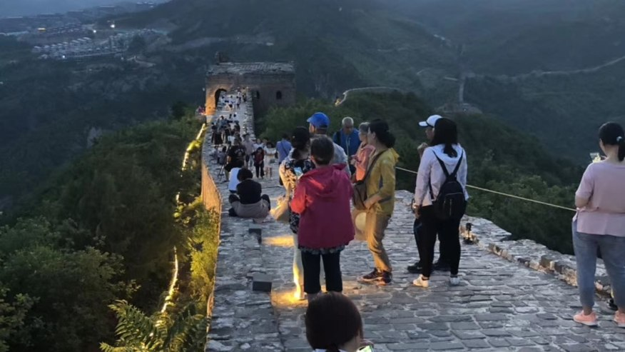 The lively Simatai section of the great wall