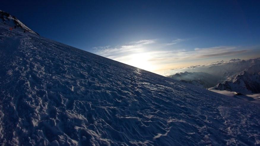 Sunrises views atop mountain