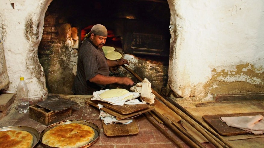 Cooking breads in traditional way