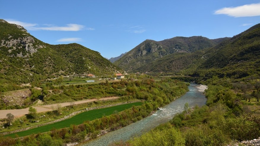 Albanian Highlights - From South to North, Mountains to Coast