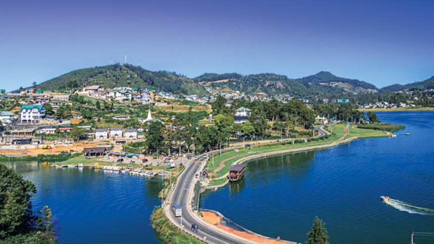 Panoramic view of Nuwara Eliya