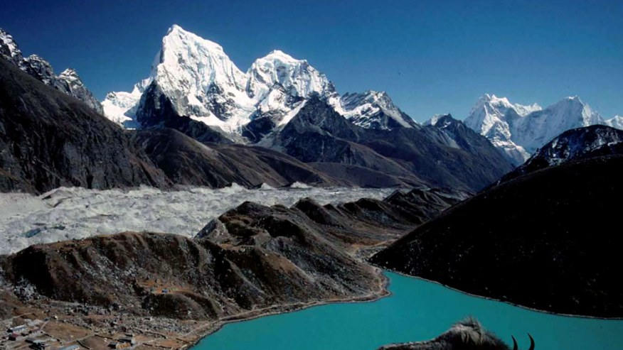 Trek Up to a Spectacular View of Everest